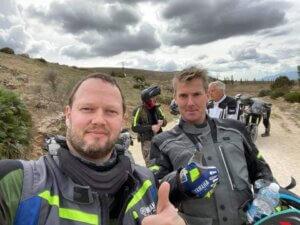 Til høyre i bildet ser vi Morten Brondbjerg sjef i Norden for Yamaha. Til venstre Bjørn Ingvar Einarsson Yamaha Island